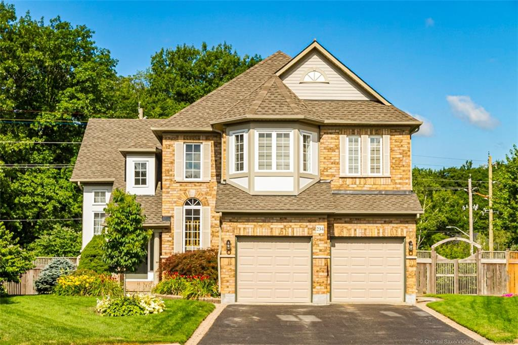 Photo of: MLS# H4061759 234 Valmont Court, Ancaster