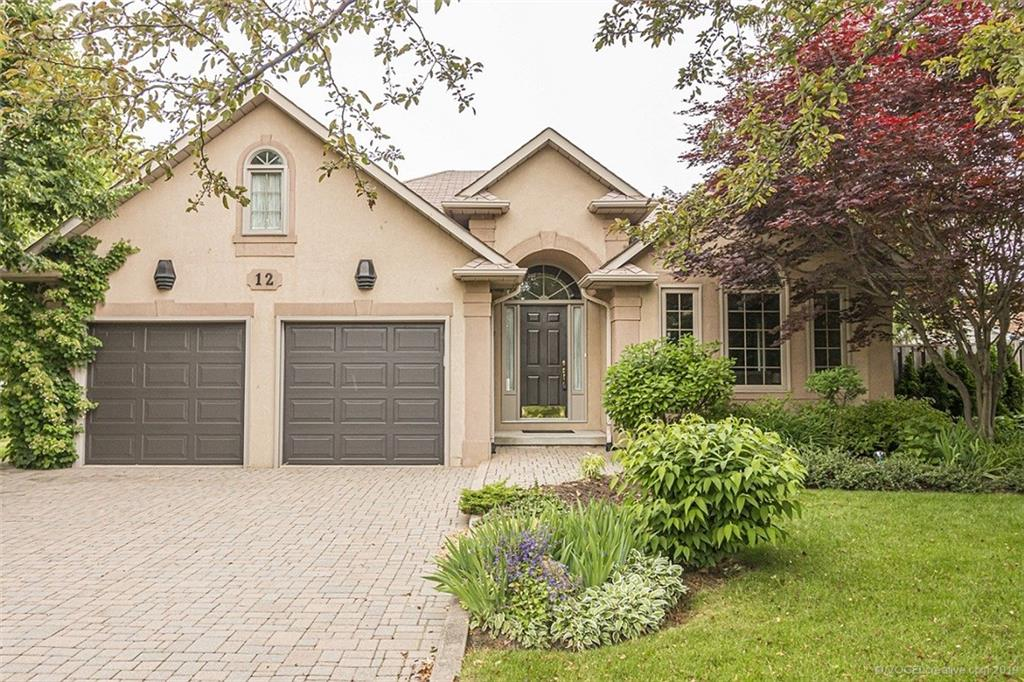 Photo of: MLS# H4063081 12 Steeplechase Drive, Ancaster |ListingID=1775