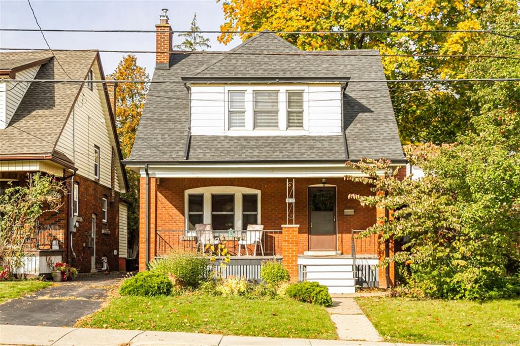 Photo of: MLS# H4066294 498 Dundurn Street S , Hamilton