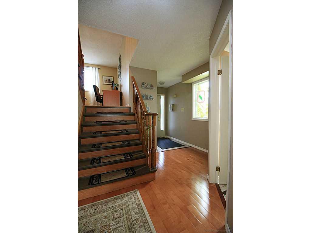 45 Mistywood Drive - Foyer.