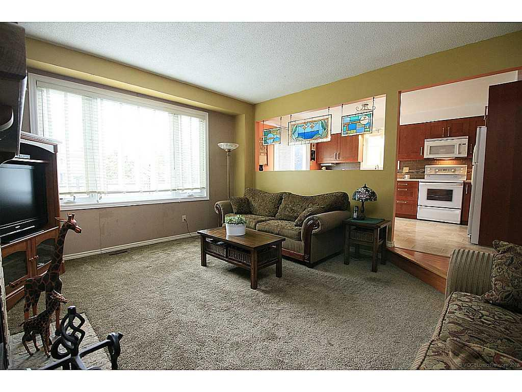 45 Mistywood Drive - Living Room.