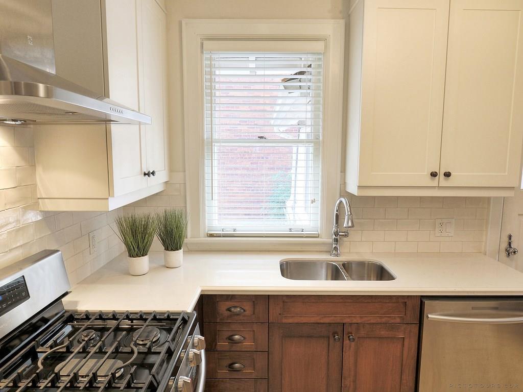 34 Victoria Street - Kitchen