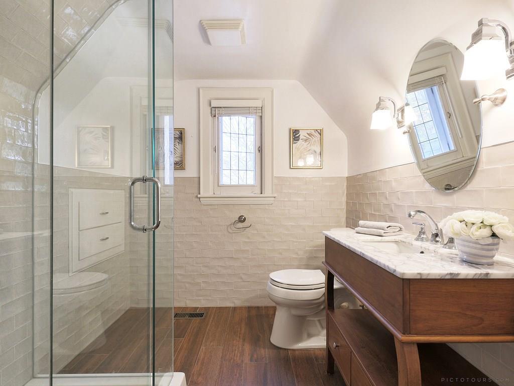 34 Victoria Street - Bathroom