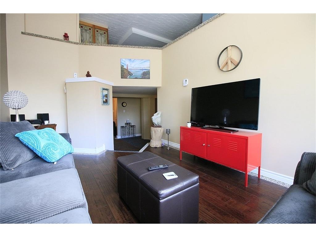 313-50 Main Street - Living Room
