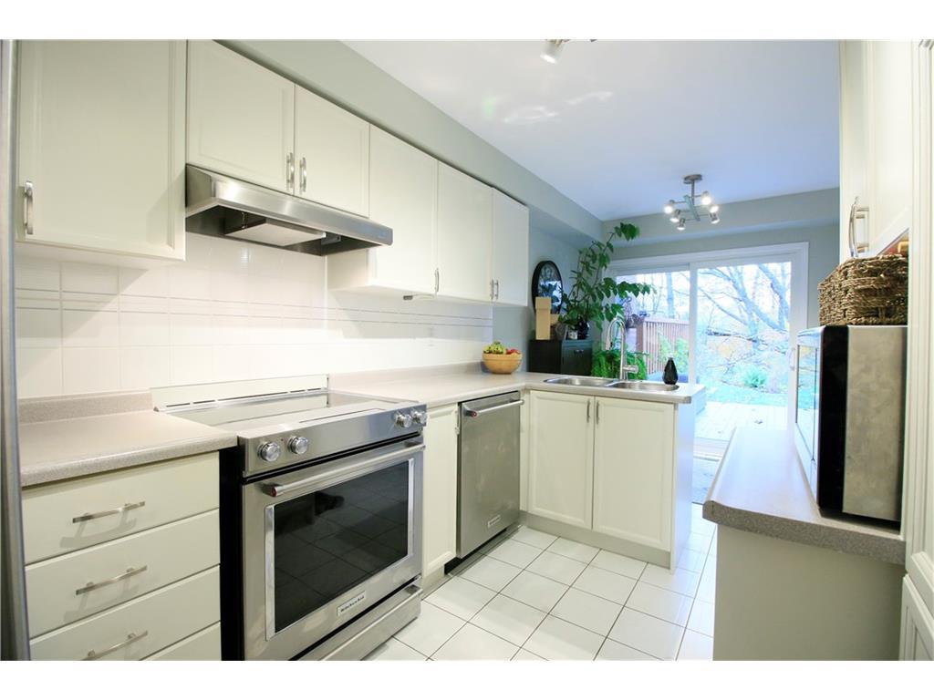16-14 Huntingwood Avenue - Kitchen