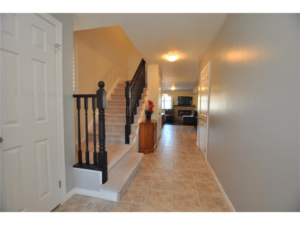 168 Penny Lane - Foyer