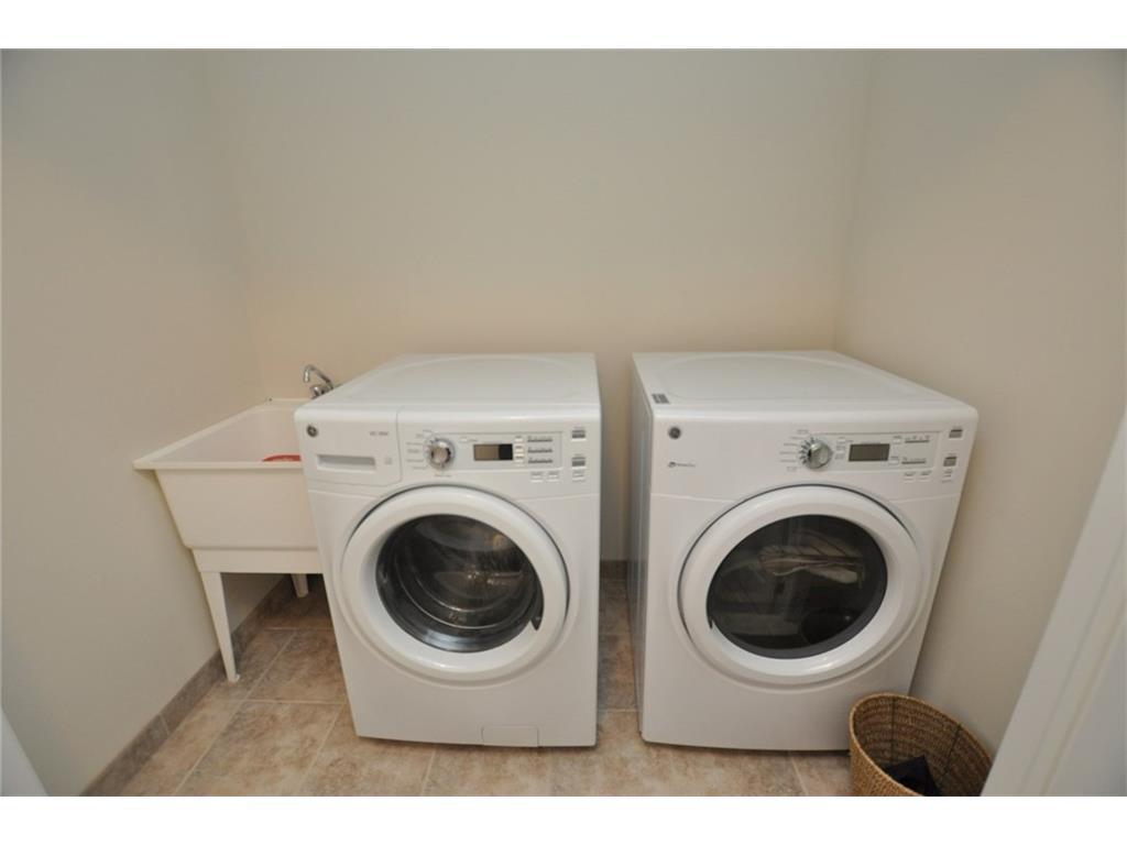 168 Penny Lane - Laundry