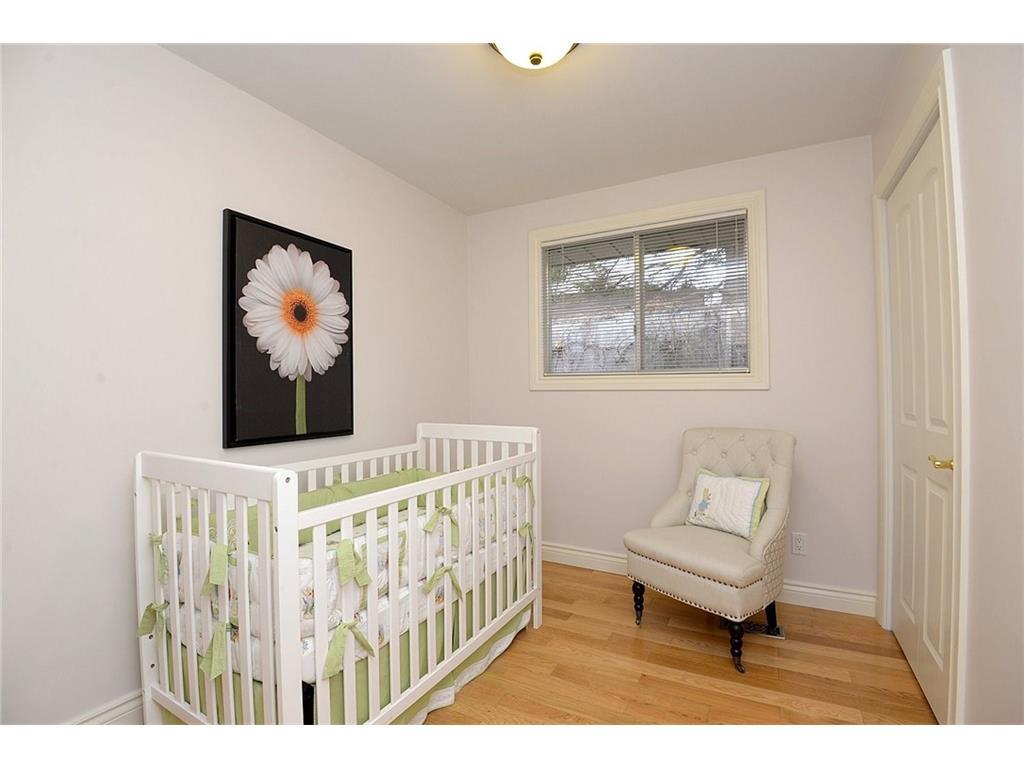 9 Birchbank Boulevard - Bedroom