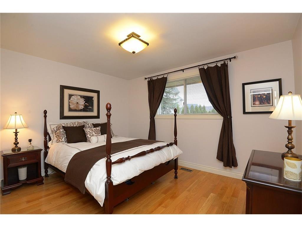 9 Birchbank Boulevard - Master Bedroom
