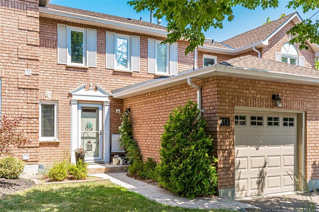 Photo of: MLS# H4082073 30-7 DAVIDSON Boulevard, Dundas