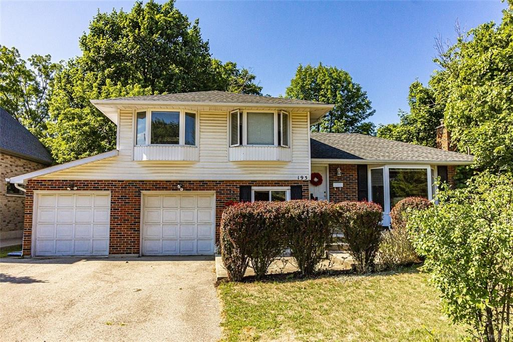 Photo of: MLS# H4085518 195 FALLINGBROOK Drive, Ancaster |ListingID=2562