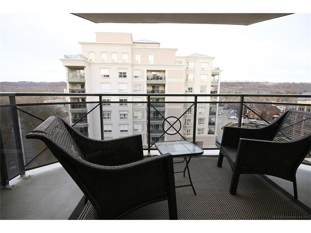 704-3000 Creekside Drive - Balcony
