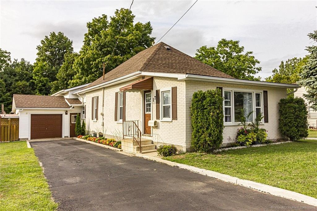 Photo of: MLS# H4088016 17 Potters Road, Tillsonburg |ListingID=2601