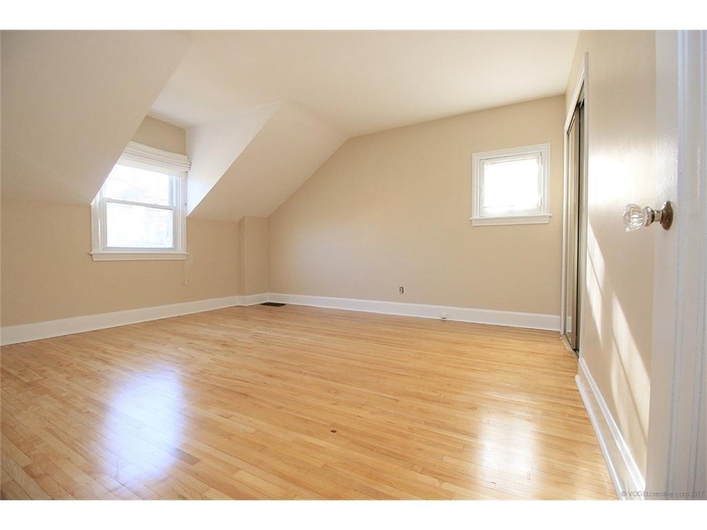 476 Dundurn Street S  - Bedroom