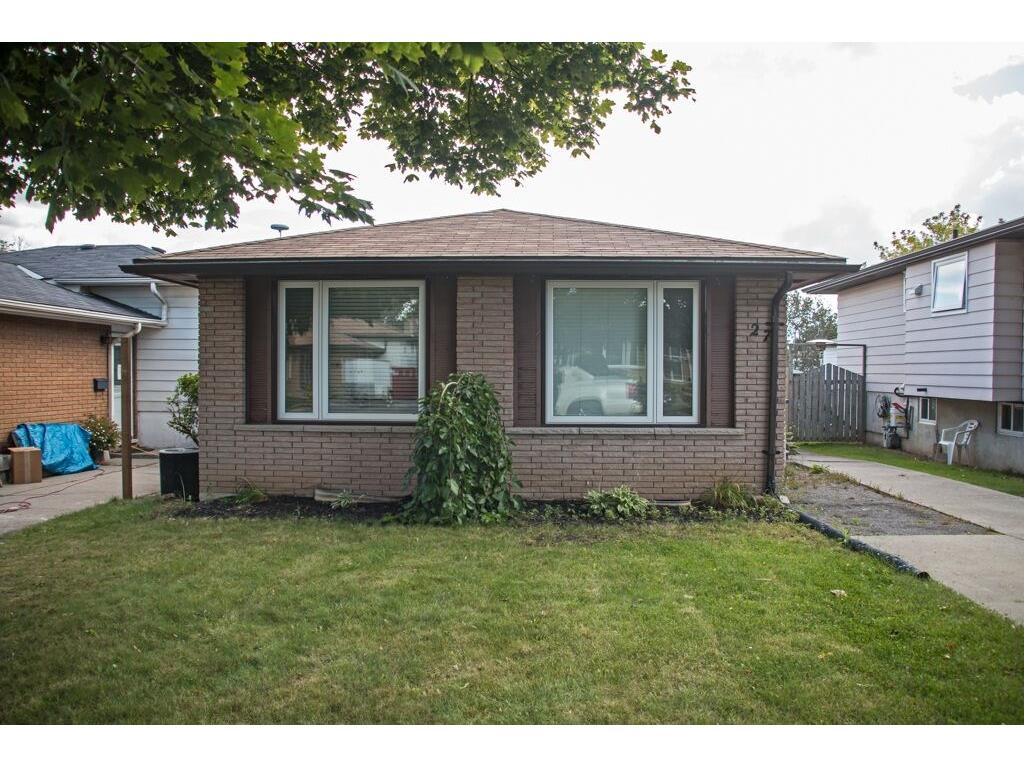 Photo of: MLS# H4008391 27 Gillard Street, Hamilton