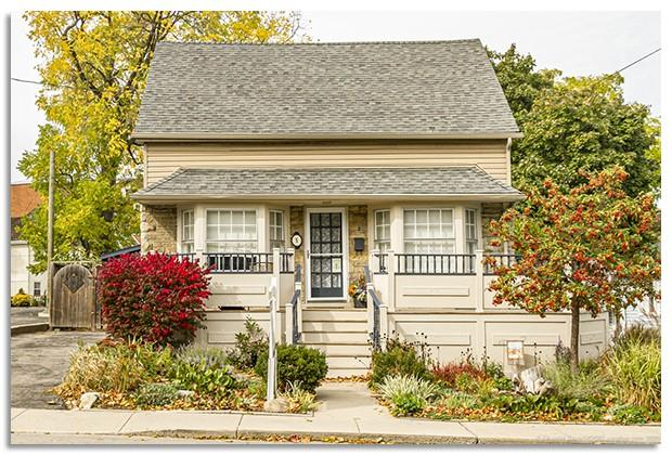 Photo of: MLS# H4090945 5 York Street, Dundas |ListingID=2644