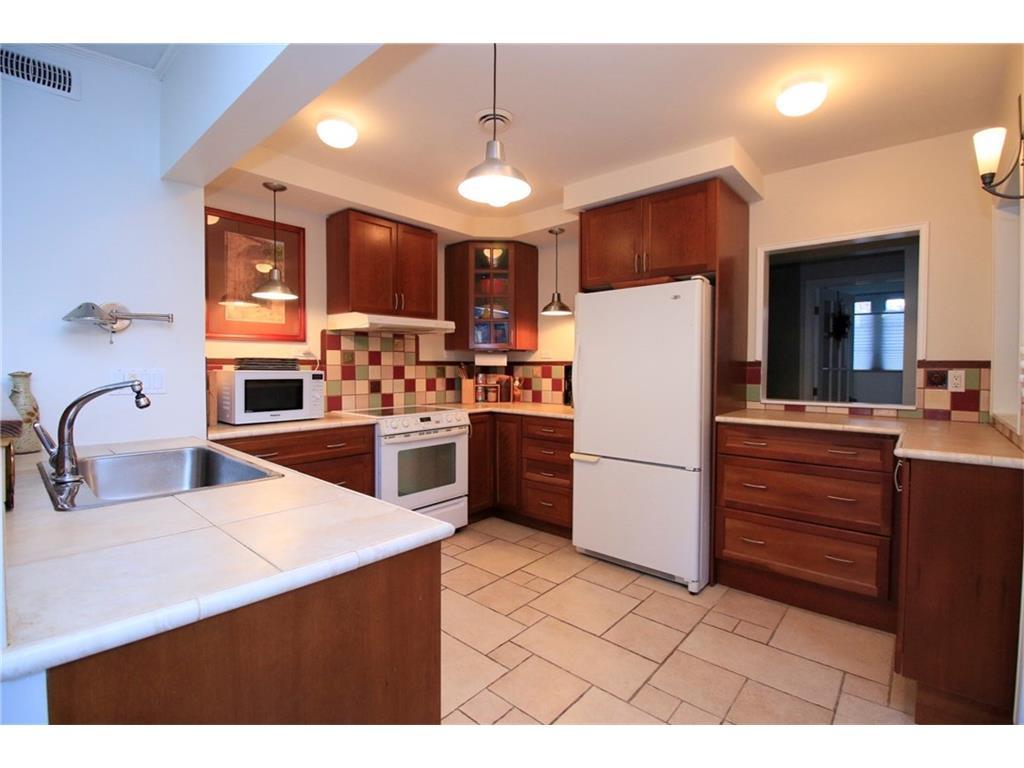16 South Street W  - Kitchen