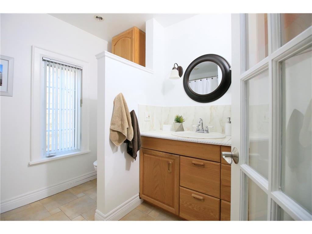 16 South Street W  - Bathroom