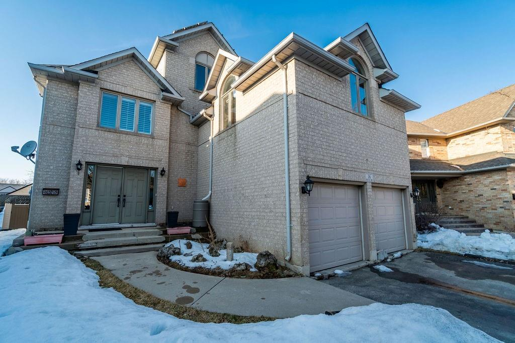 Photo of: MLS# H4098679 16 PINTO Drive, Ancaster |ListingID=2840