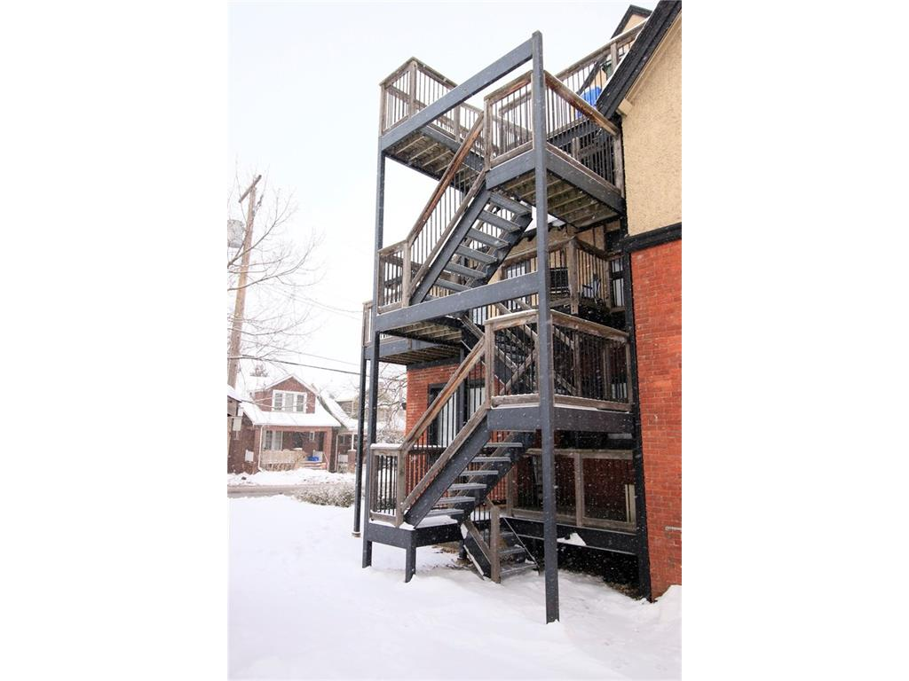 195 Charlton Avenue W  - Outdoor Stairs