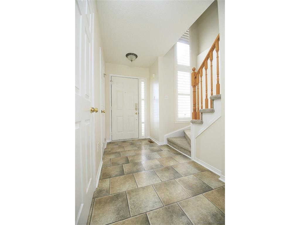 90 Huntingwood Avenue - Foyer