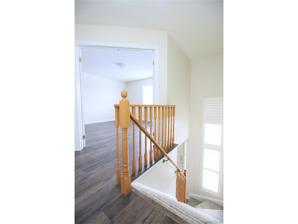 90 Huntingwood Avenue - Hallway