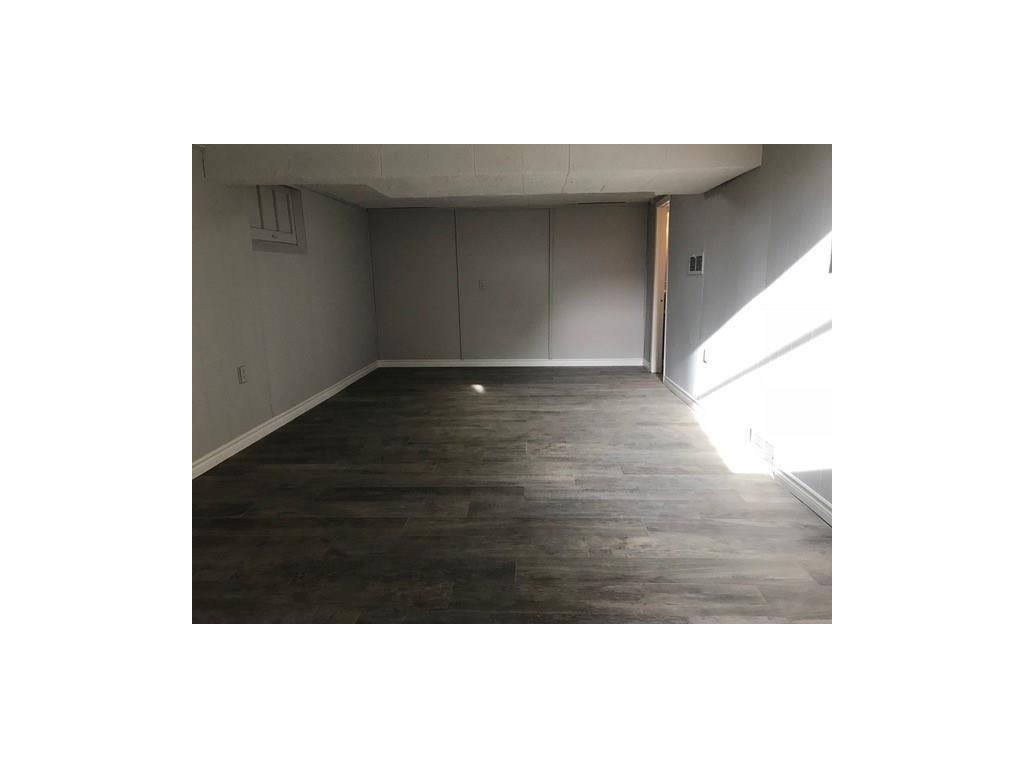 22 Tweedsmuir Avenue - Living Room