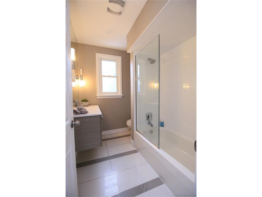 17 Carrington Court - Bathroom