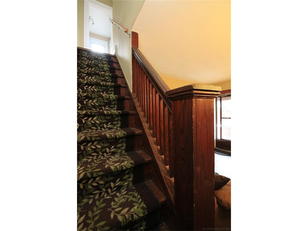 22 Cope Street - Staircase