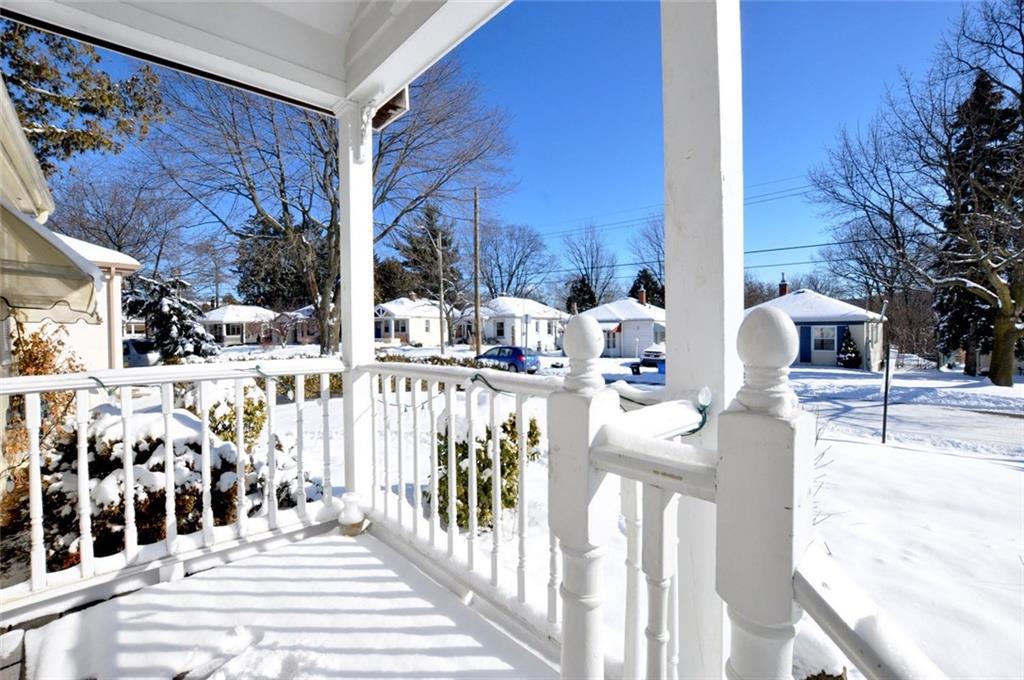 180 HADDON Avenue S  - Front Porch