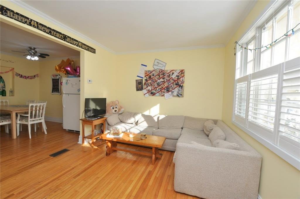 180 HADDON Avenue S  - Living Room