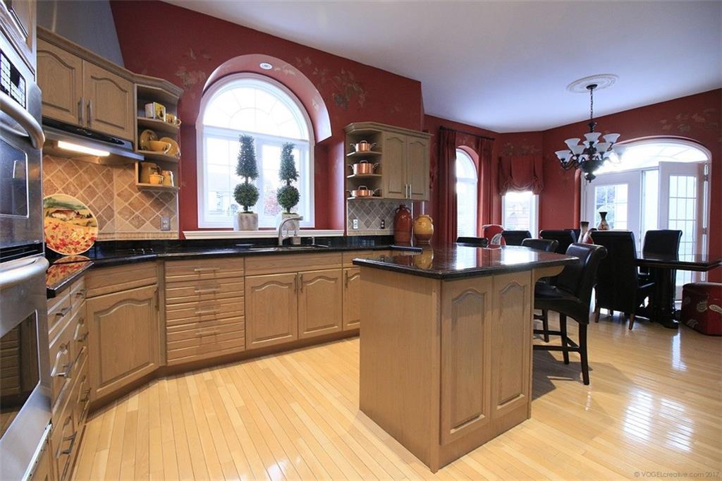 110 Stonehenge Drive - Eat In Kitchen