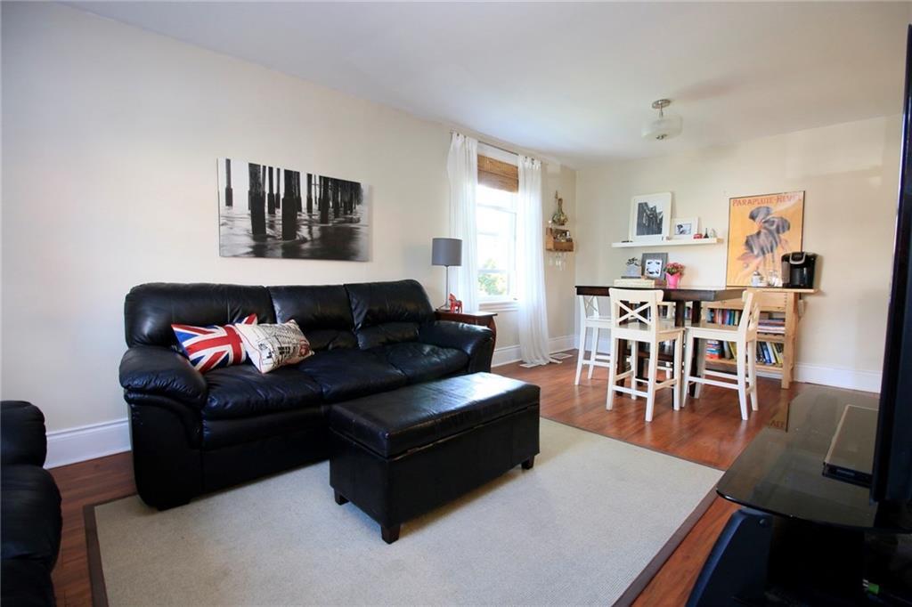 73 Peter Street - Living Room