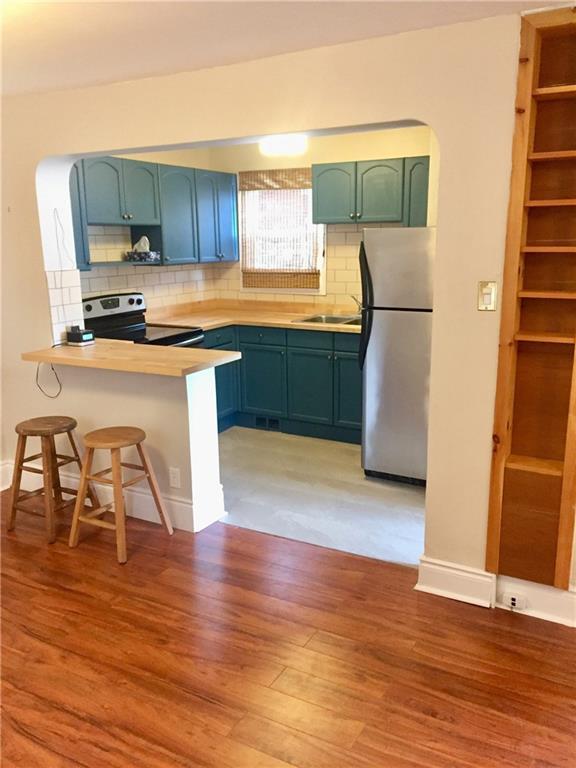 73 Peter Street - Kitchen