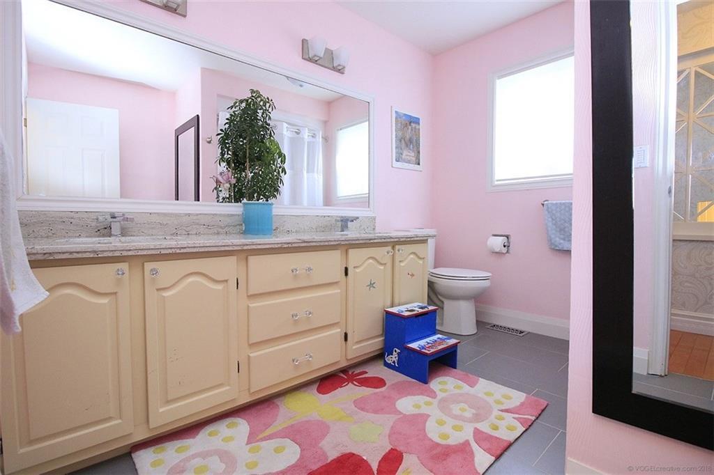 190 Jerseyville Road W  - Bathroom