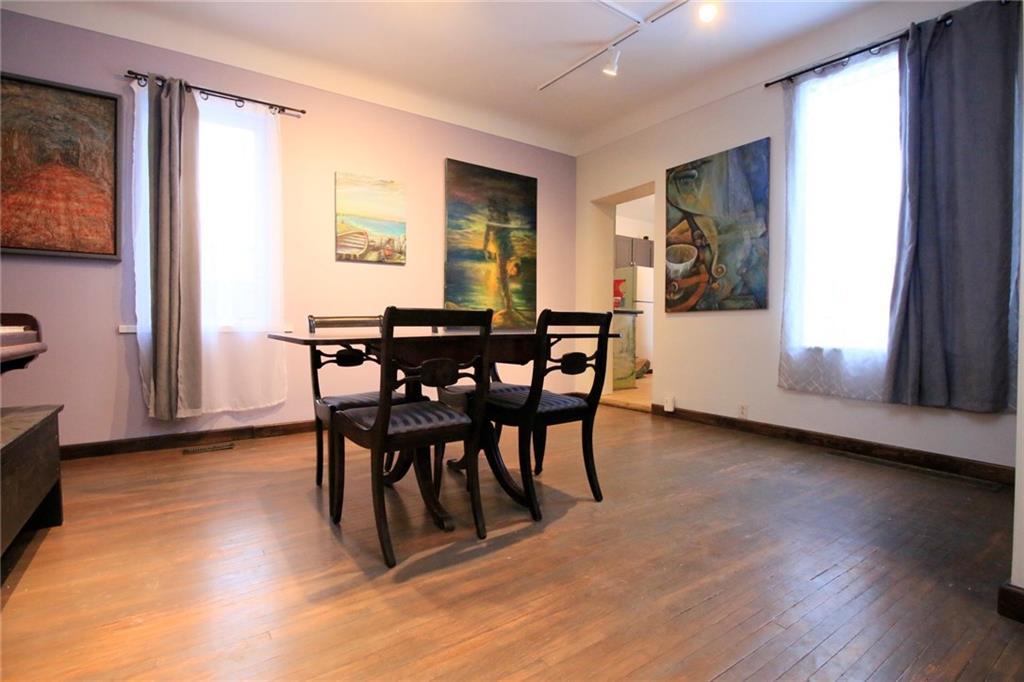 226 Caroline Street S  - Dining Room