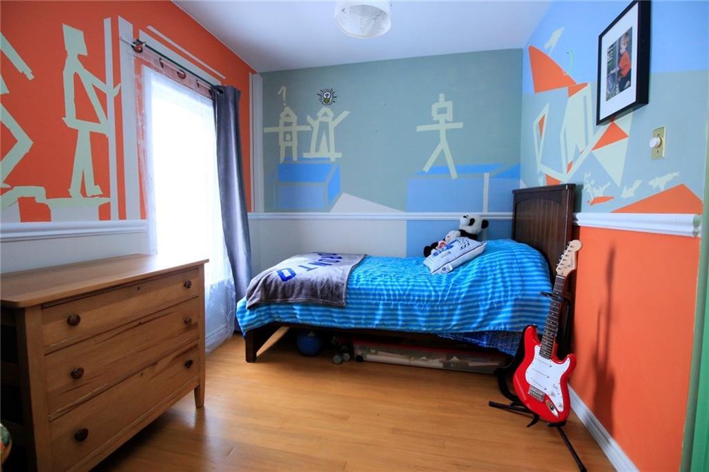 226 Caroline Street S  - Bedroom