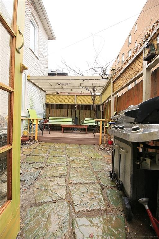 226 Caroline Street S  - Backyard