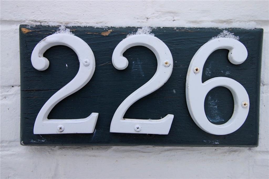 226 Caroline Street S  -