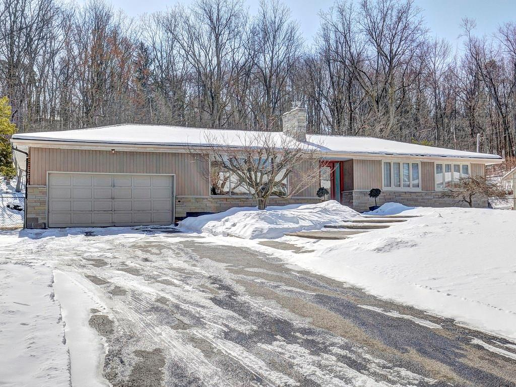 Photo of: MLS# H4020719 848 Mewburn Road, Ancaster |ListingID=362