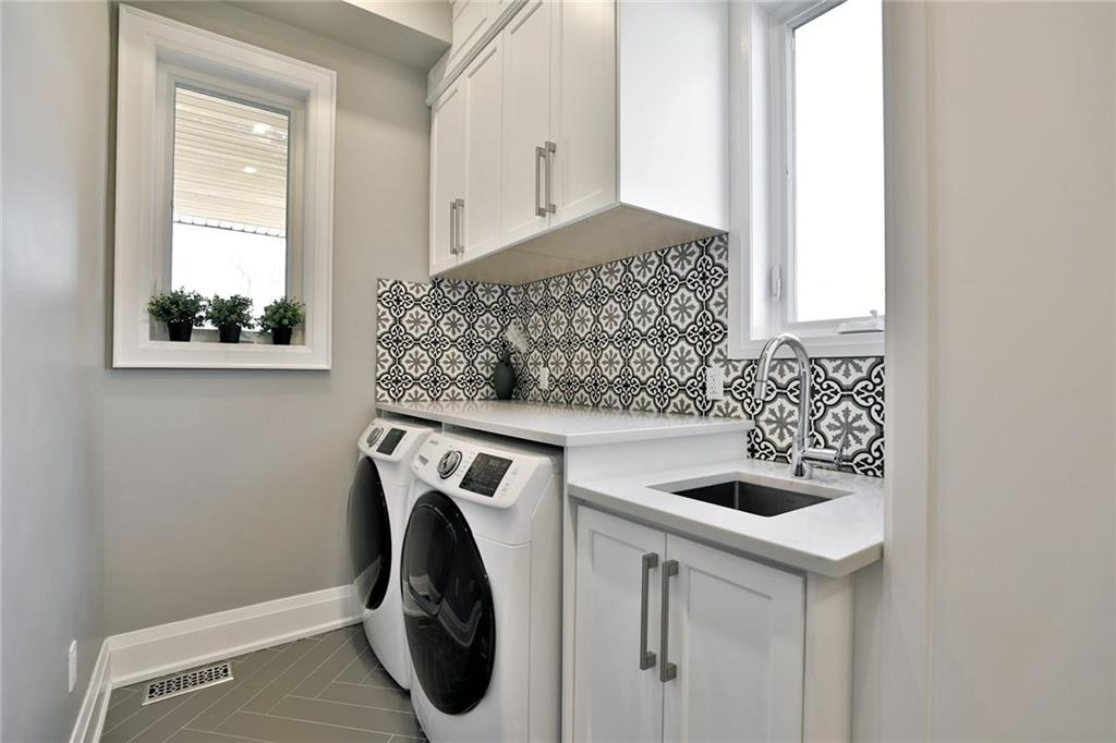 731 Montgomery Drive - Laundry