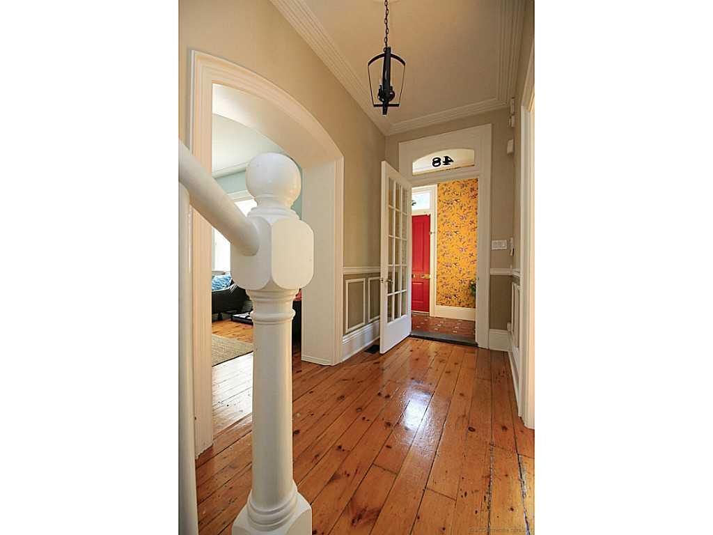 48 Aberdeen Avenue - Foyer.