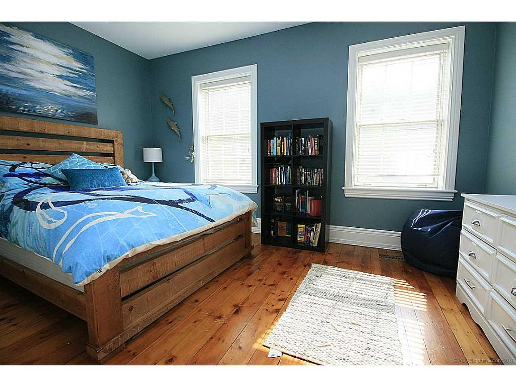 48 Aberdeen Avenue - Bedroom.