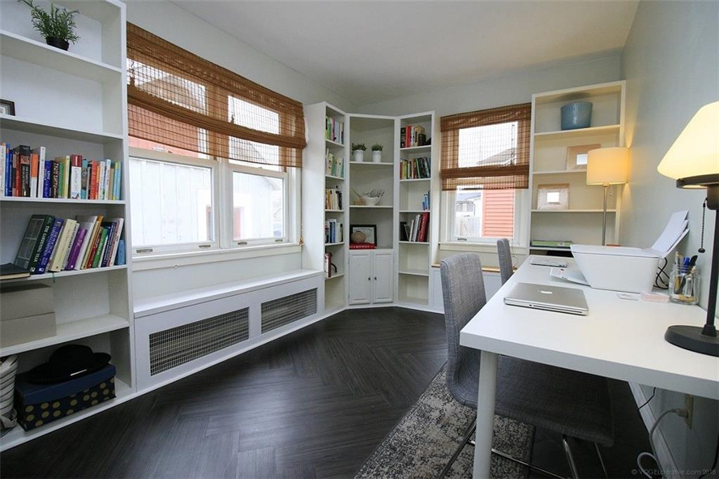 4329 Ontario Street - Office / Bedroom