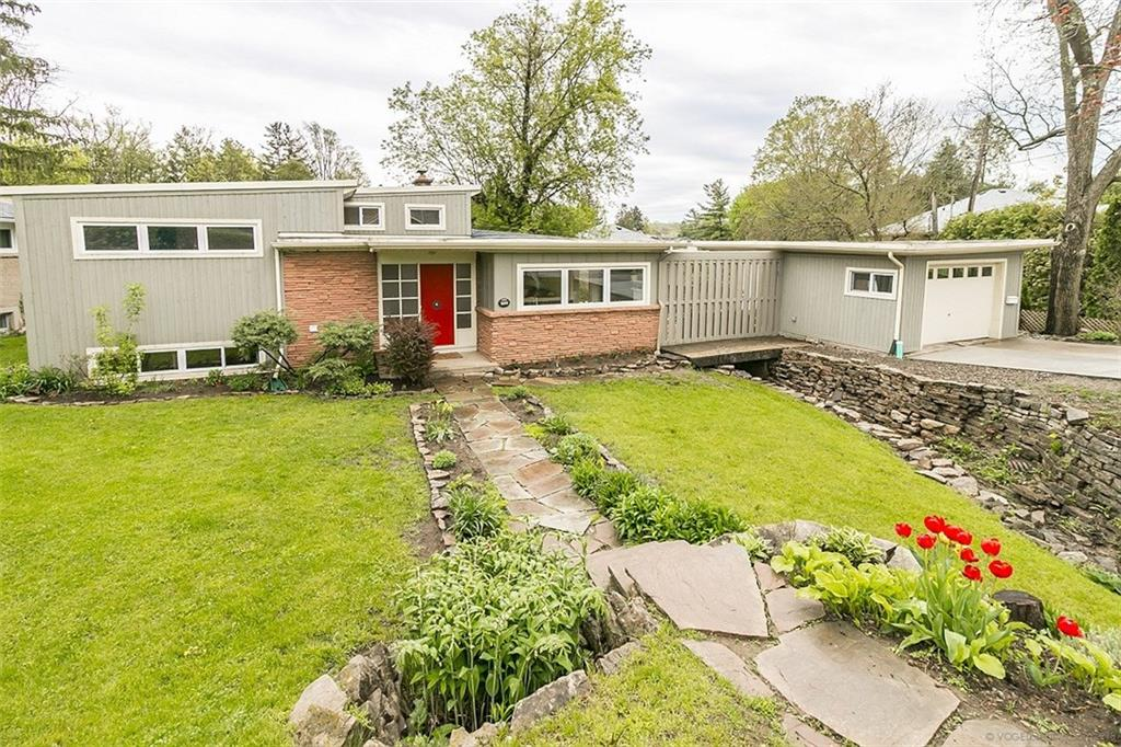 Photo of: MLS# H4027207 140 York Road, Dundas |ListingID=489