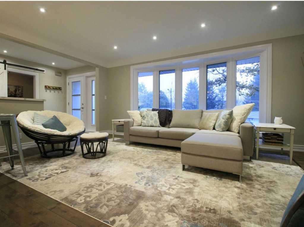 31 Brentwood Drive - Living Room.