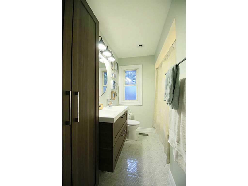 31 Brentwood Drive - Bathroom.