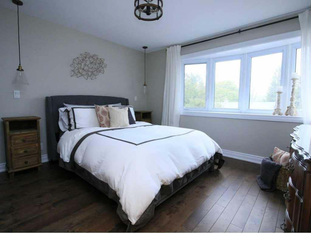 31 Brentwood Drive - Master Bedroom.