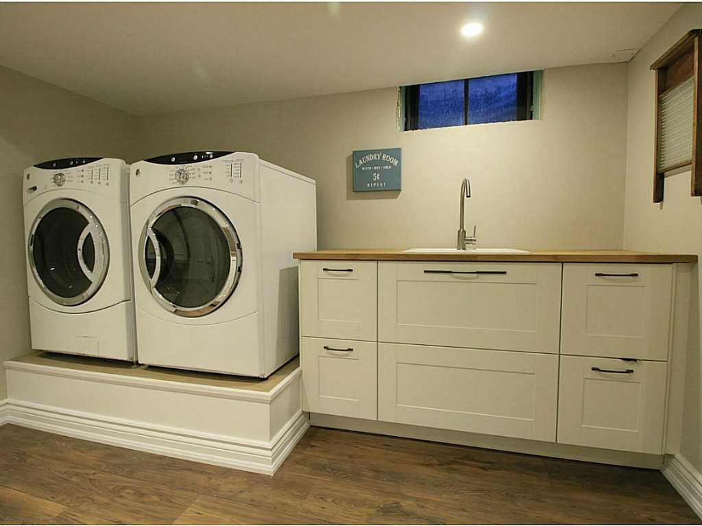 31 Brentwood Drive - Laundry room.