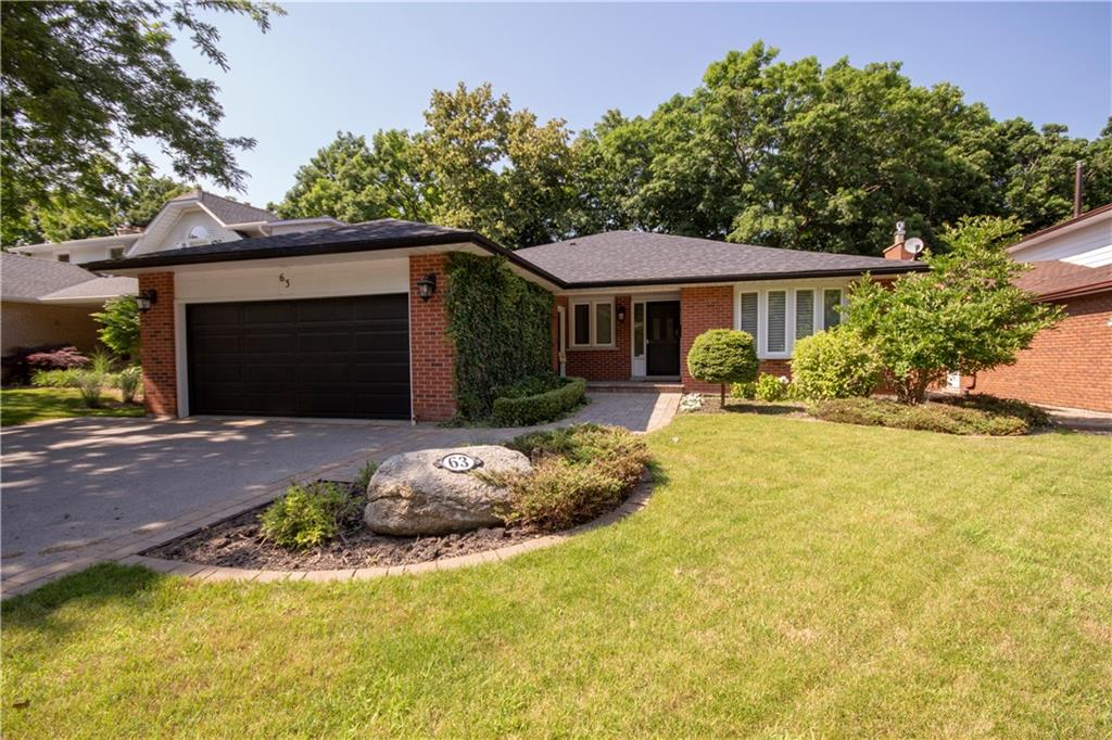 Photo of: MLS# H4032134 63 Pimlico Drive, Dundas